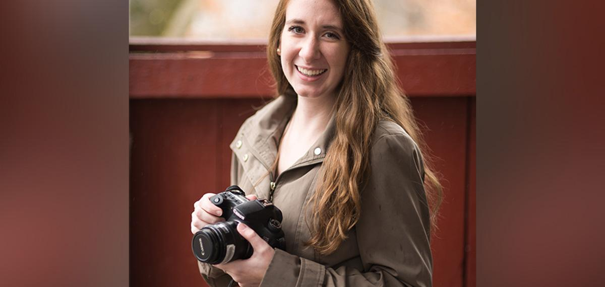 Dual major wins scholarship for photography business