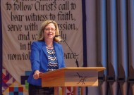 20160420-Chapel-Address-President-Susan-Huxman--082