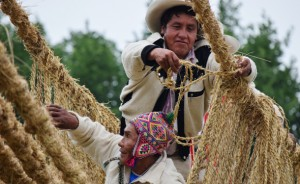 The bridge on the Mall showcased the living tradition of woven architecture, passed through generations of Peruvians. (Photo by Victoria Gunawan, Ralph Rinzler Folklife Archives)