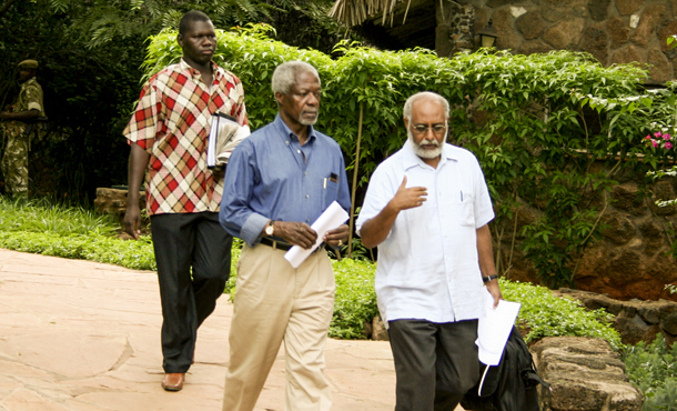 Strategizing with former UN General Secretary Kofi Annan      during the Kenyan political mediation