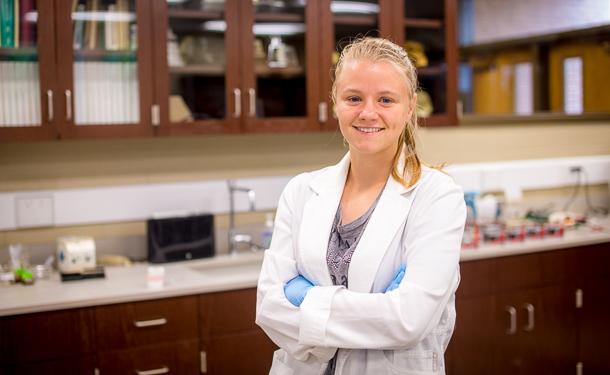 Junior Hannah Daley preps for grad school with NSF ...