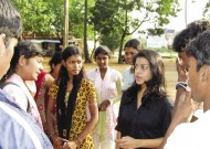 Pushpi Weerakoon meets youth in a Rotary-sponsored gathering. (Photo courtesy of Pusphi Weerakoon.)